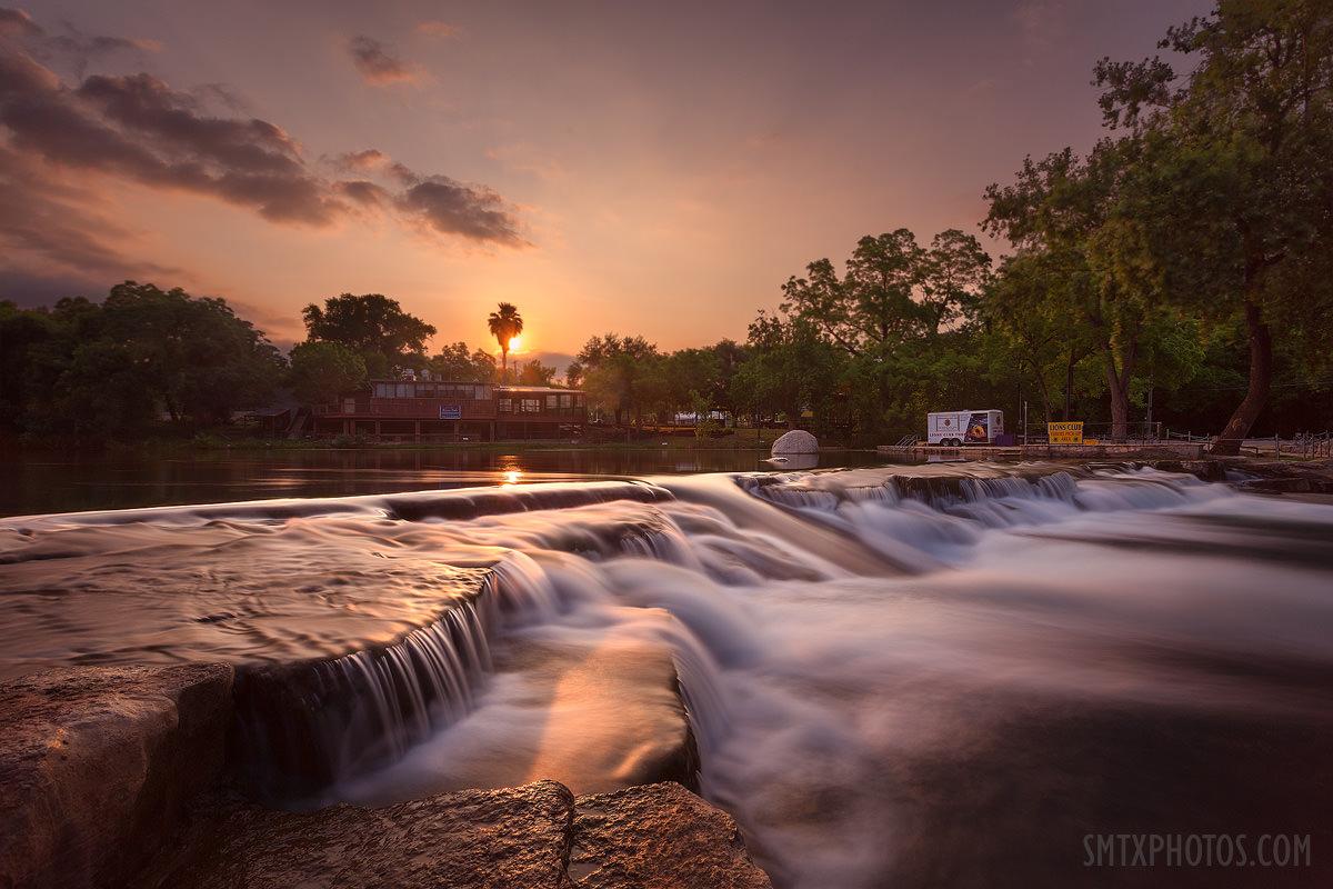 Dawn at Rio Vista in San Marcos, TX